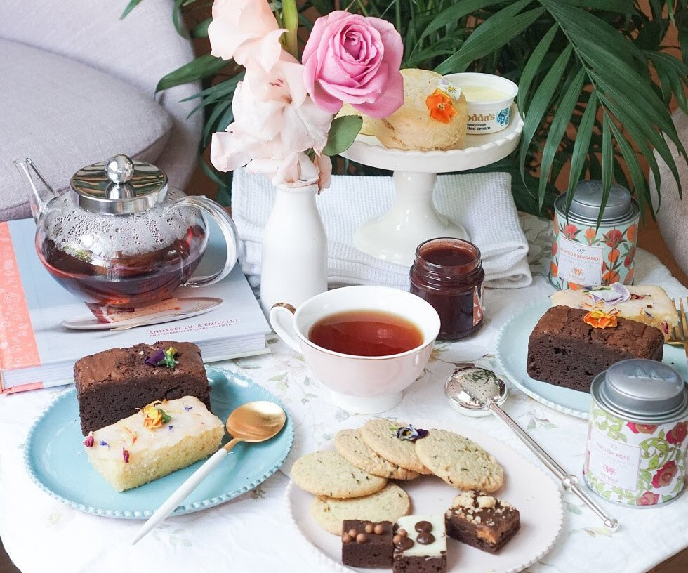 Afternoon tea deliveries around London for Mother's Day