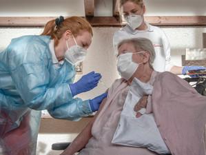 Uniunea Europeană a început vaccinarea împotriva noului coronavirus