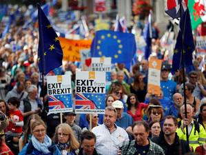 Patru milioane de semnături susțin petiția care cere ca Marea Britanie să rămână în Uniunea European