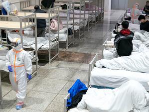 Furia bolnavilor din India se răsfrânge asupra medicilor care încearcă să îi salveze de Covid