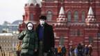 """Aproape două treimi dintre ruşi estimează că Covid-19 este o """"armă biologică"""" creată de om"""