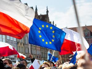 Polonia, somată la Curtea de Justiție a Uniunii Europene