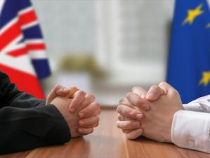 De două ori pe săptămână. Atâtea întâlniri au stabilit negociatorii europeni și britanici în agenda