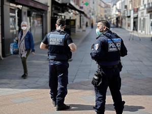 Franța intră din nou în carantină totală
