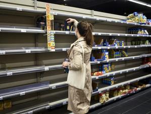 """Experții în economie consideră că """"pandemia a mărit prăpastia dintre bogați și săraci"""""""