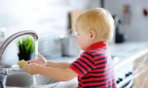 În 24% dintre gospodăriile de la sat minorii nu obişnuiesc să se spele pe mâini înainte de masă