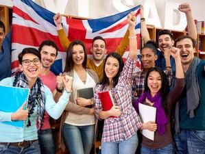 Cum și de ce împrumută Marea Britanie imigranții, să studieze?