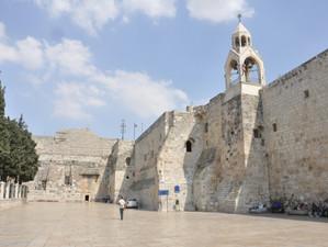 Betleem a redeschis porțile Bisericii Nașterii Domnului