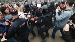 Între 300.000 și 400.000 de ruși au protestat sâmbătă pentru eliberarea lui Aleksei Navalnîi
