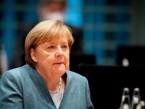 Germania vrea reducerea până aproape la zero a zborurilor internaționale din cauza tulpinii de Covid