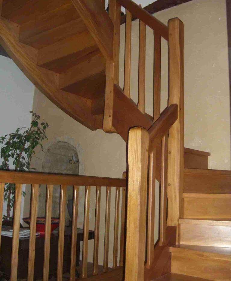 7.1st Floor Landing-Staircase.jpg