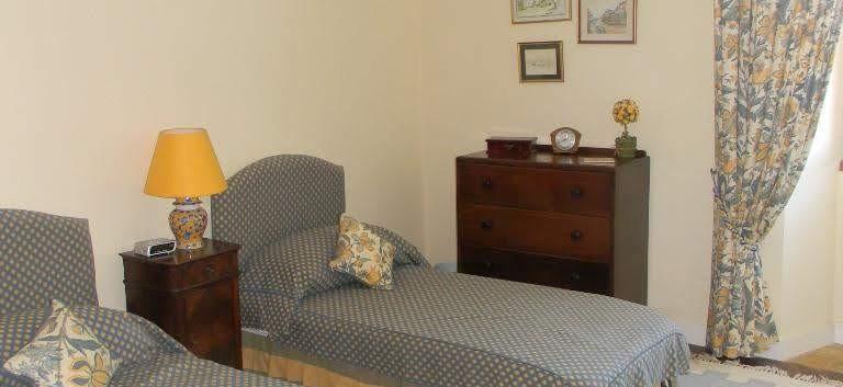 8.Guest Bedroom 1.jpg