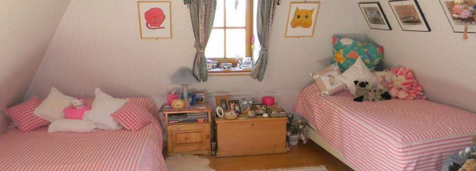 13.Attic Bedroom 1.jpg