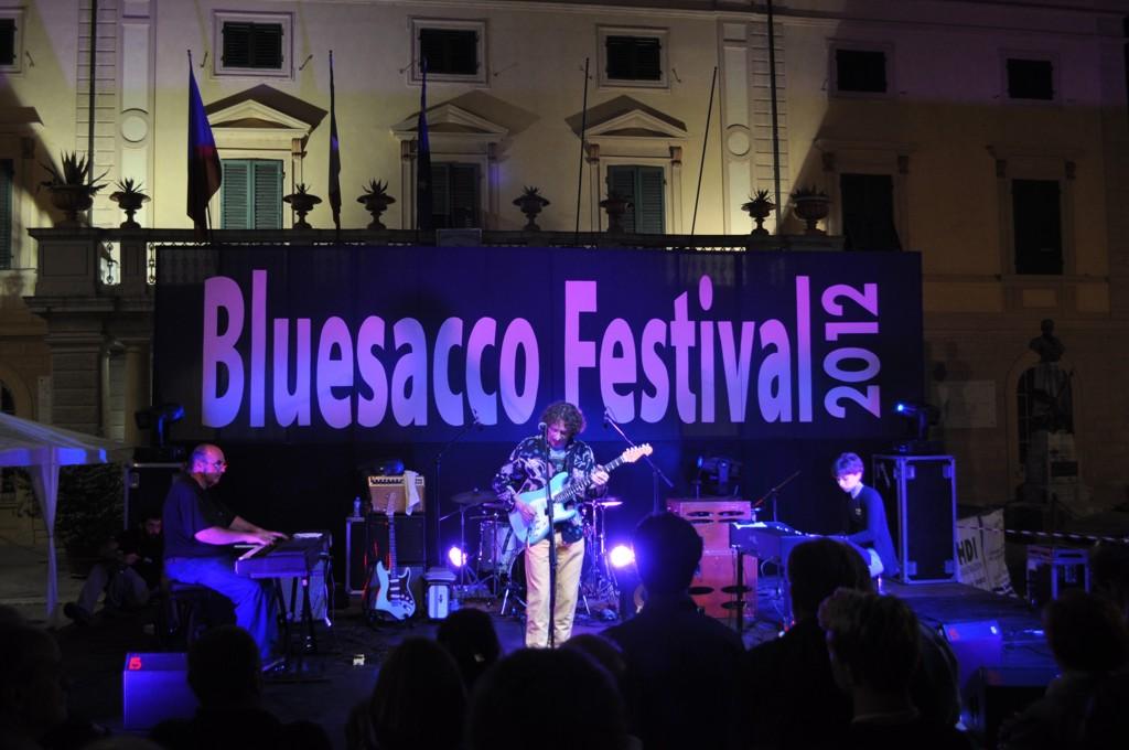 Bluesacco104.jpg