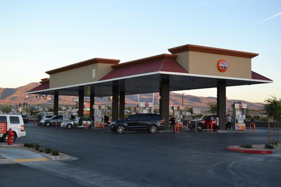76 gas pump at Speedee Mart