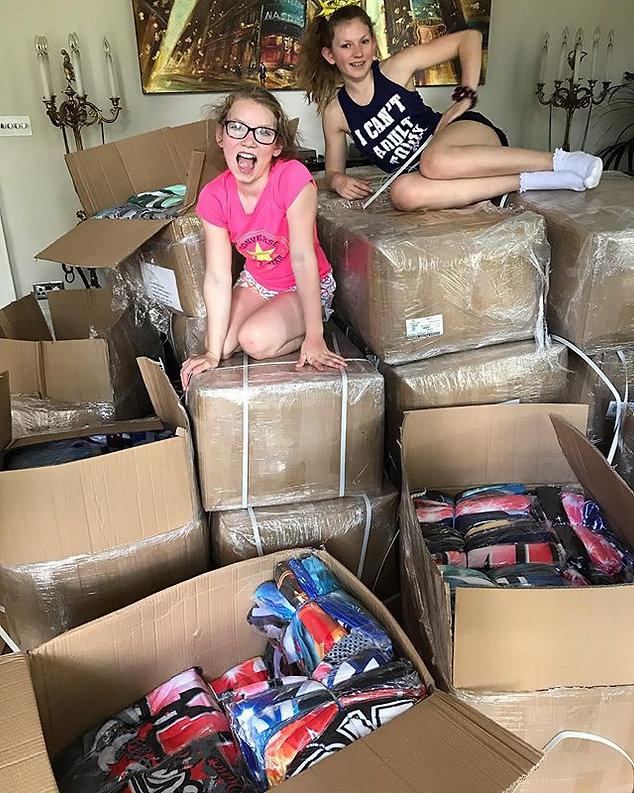 34 boxes of #customblanket designs to un