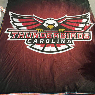 How awesome are these #customblanket des