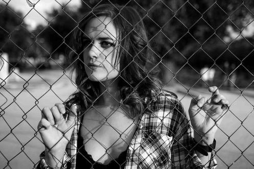 Shooting | Gabriela Inaty