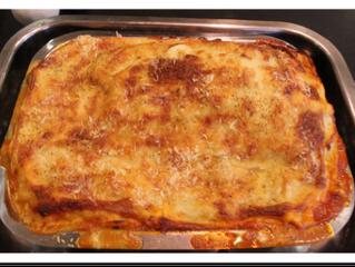 Meat (pork) lasagne - proper lasagne  (serves 6, preparation time 10 minutes, cooking time 1.5 hours