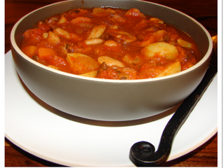 Sausage, bean and tomato soup (serves 6, preparation time 10 minutes, cooking time 35 minutes)
