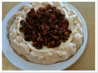 Pavlova type large meringue nest (Makes a medium sized nest and possibly a couple of meringues.  For