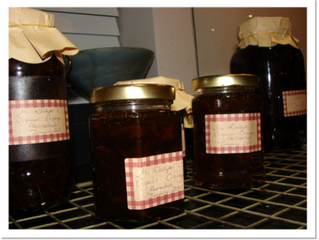 Orange marmalade  (makes about 6 x 450g jars, preparation time 1 hour, cooking time 2 1/4 hours)