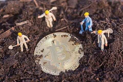 〖由於這些礦工花費大量成本、時間和電力來取得比特幣,費盡功夫才能獲得成果,就好像進入金礦挖掘黃金一樣,因此一才會出現了挖礦和礦工等稱呼。〗