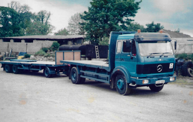 Old Mercedes (1).jpg