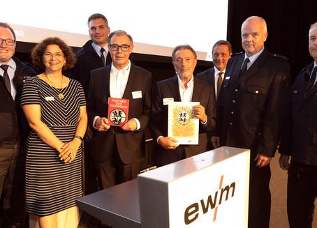 EWM mit Ehrenplakette der Feuerwehr ausgezeichnet