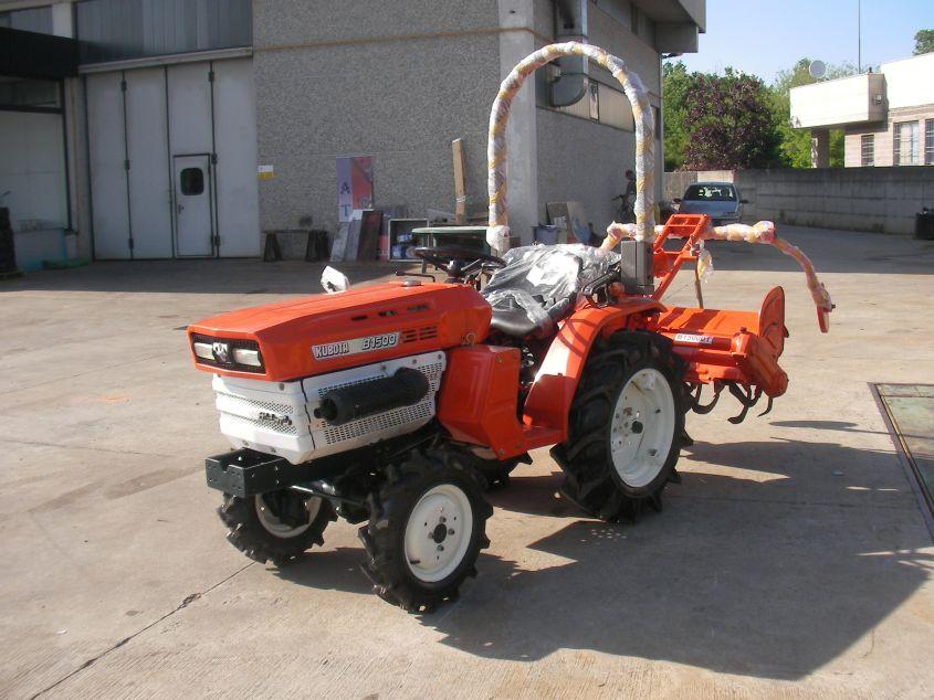 02 - Kubota B1500DT