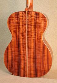 Curly koa back in a phi guitar