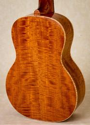 Curly mahogany back of tenor ukulele