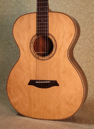 Bearclaw sitka spruce top in a phi guitar