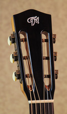 Guitar slotted headstock