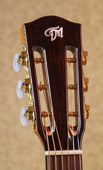 12-fret slotted headstock