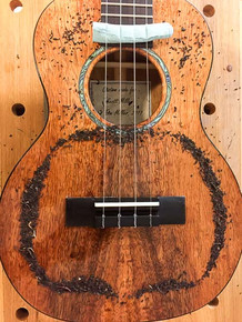 Koa tenor ukulele Chladni pattern, monopole at 321 Hz