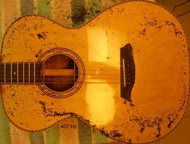 Koa phi guitar top plate Chladni pattern long dipole at 407 Hz