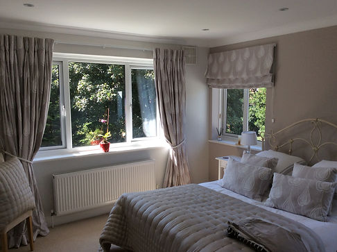 Cotton curtains and roman blind for, cus
