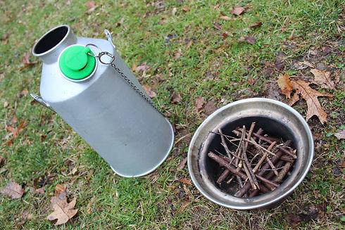 fire in Kelly kettle (2).JPG