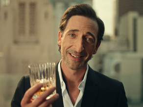 Adrien Brody says 'Cheers!' in Hungarian