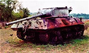 abondoned serbian Tank