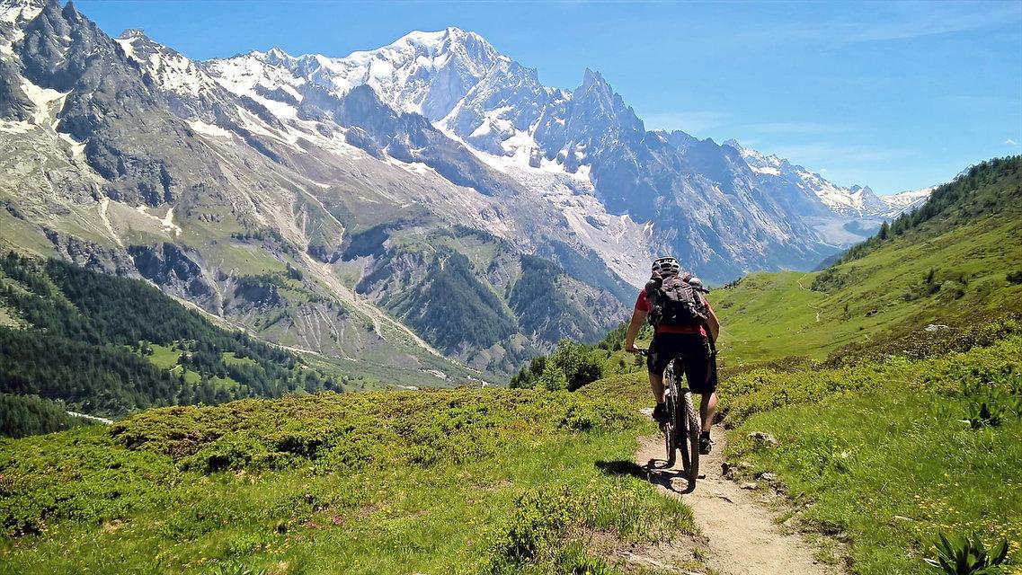Riding_in_Val_Ferret%2520MODIFICATA%2520