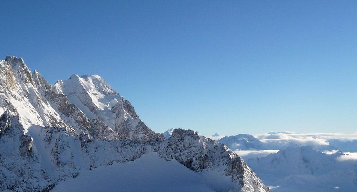 Skyway-Monte-Bianco-Vista-da-terrazza-Pa