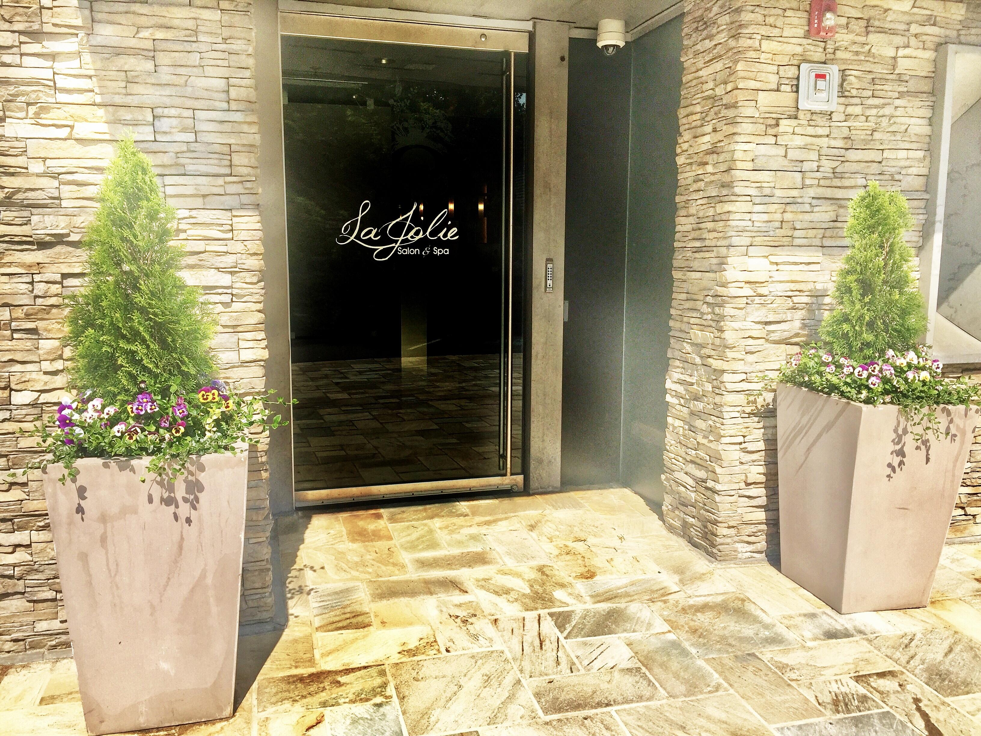 La Jolie Salon & Spa | ABOUT US