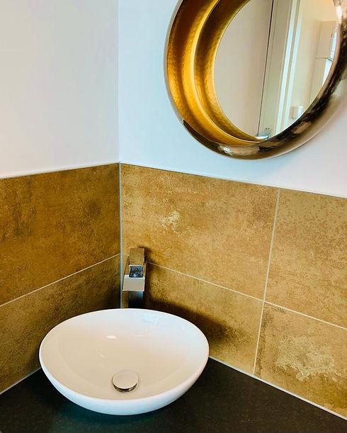 Luxury Wild Room Bathroom