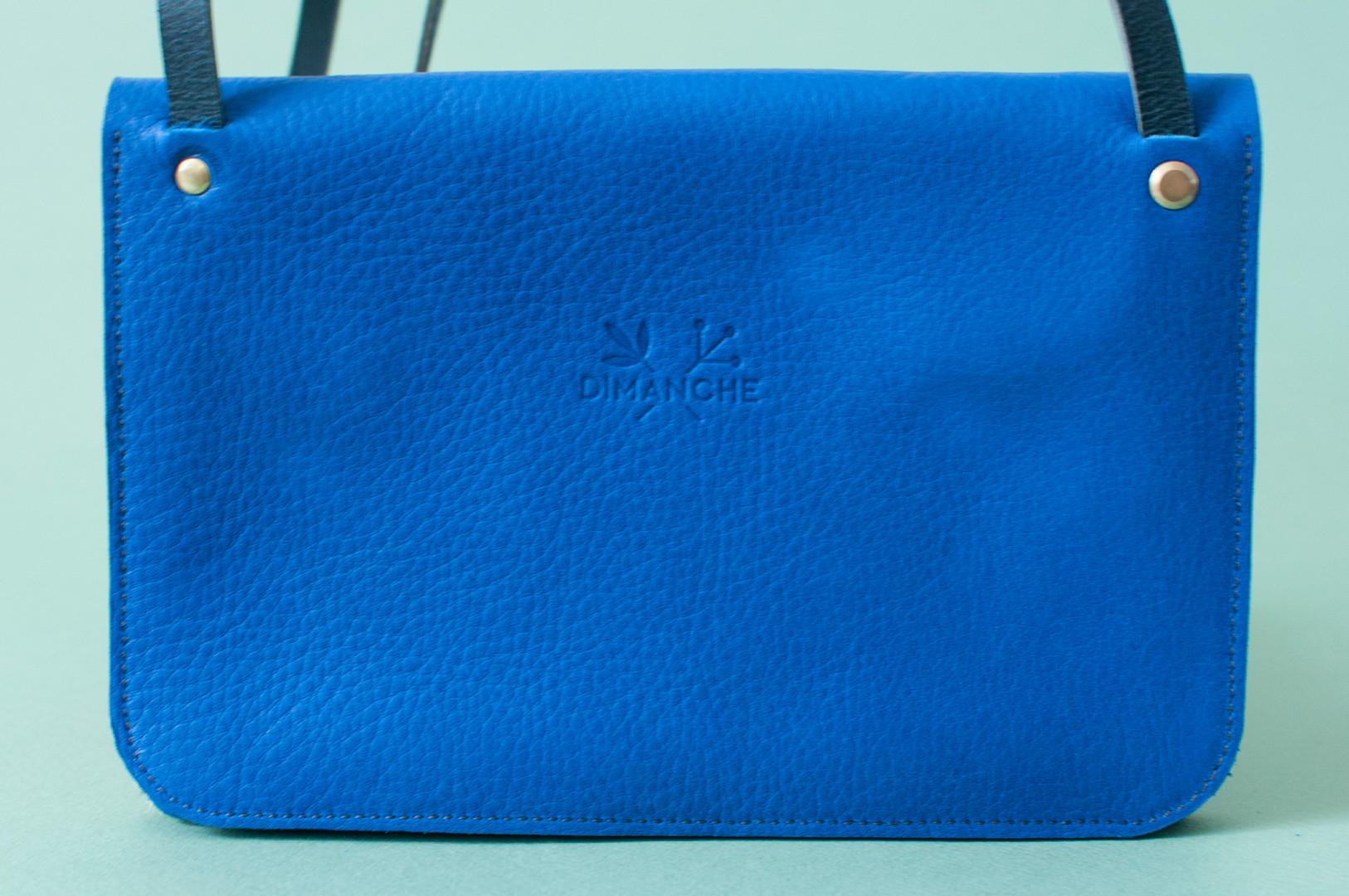 LOQU-bleu-pintade3.jpg