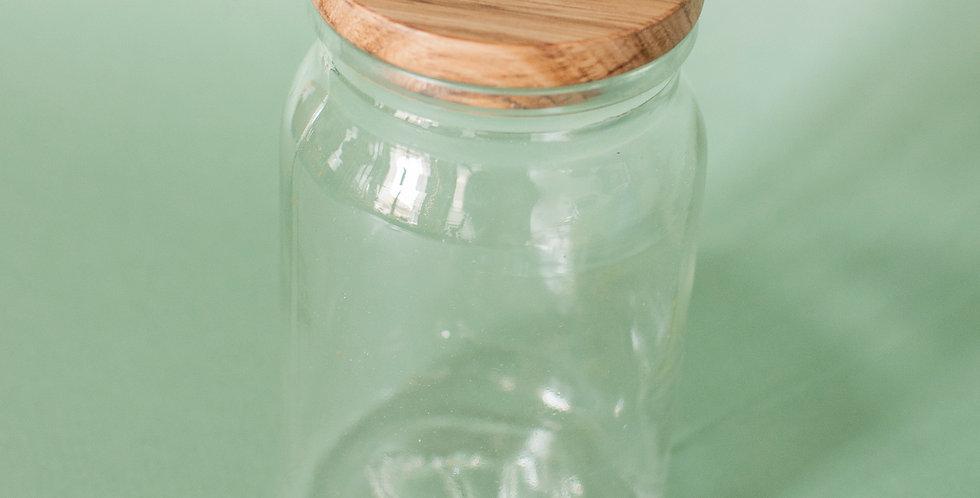 Bocal en verre et couvercle en bois