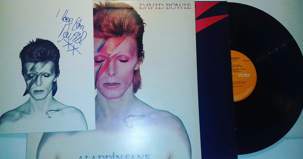 The Iconic Album Cover Aladdin Sane came with insert and wacky inner sleeve