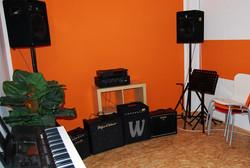 Raum 3, Gitarre, Bläser, etc.
