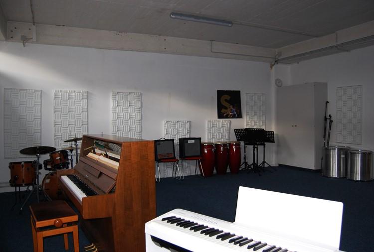 Raum 22, Band, Klavier, etc.